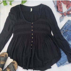 FREE PEOPLE BLACK L/S BUTTON TOP